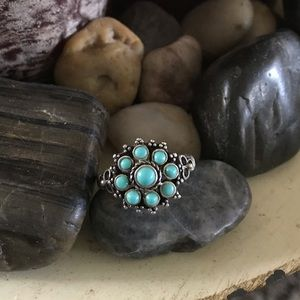 Jewelry - Beautiful Turquoise Ring